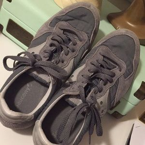 Saucony sneakers gray size 9